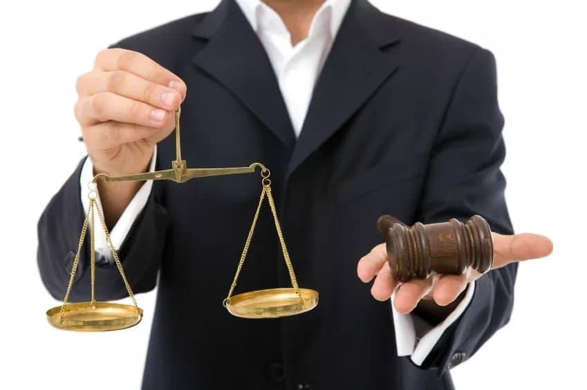 представлять юрист